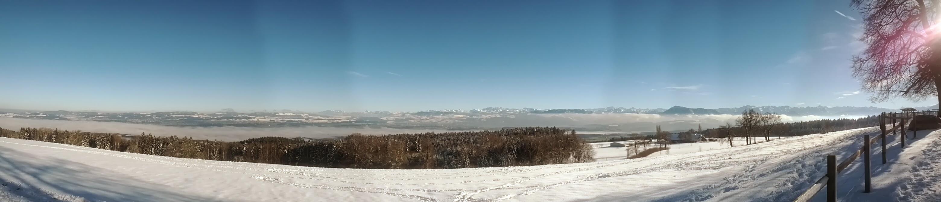 Panorama blauer Himmel