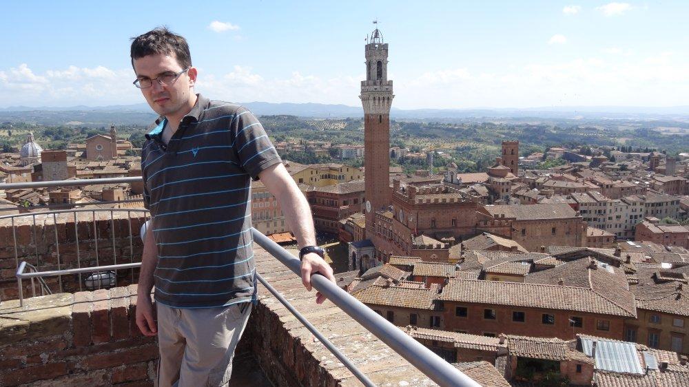 Blick auf die Altstadt von Siena mit dem Torre del Mangia