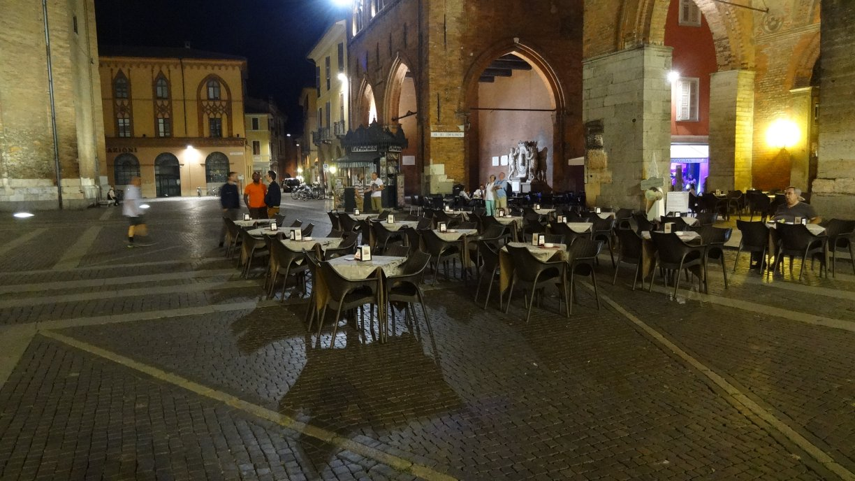 Piazza del comune - Duomo by night