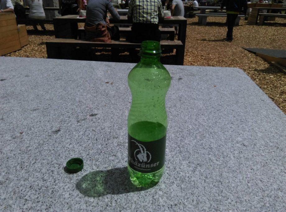 Leere Wasserflasche