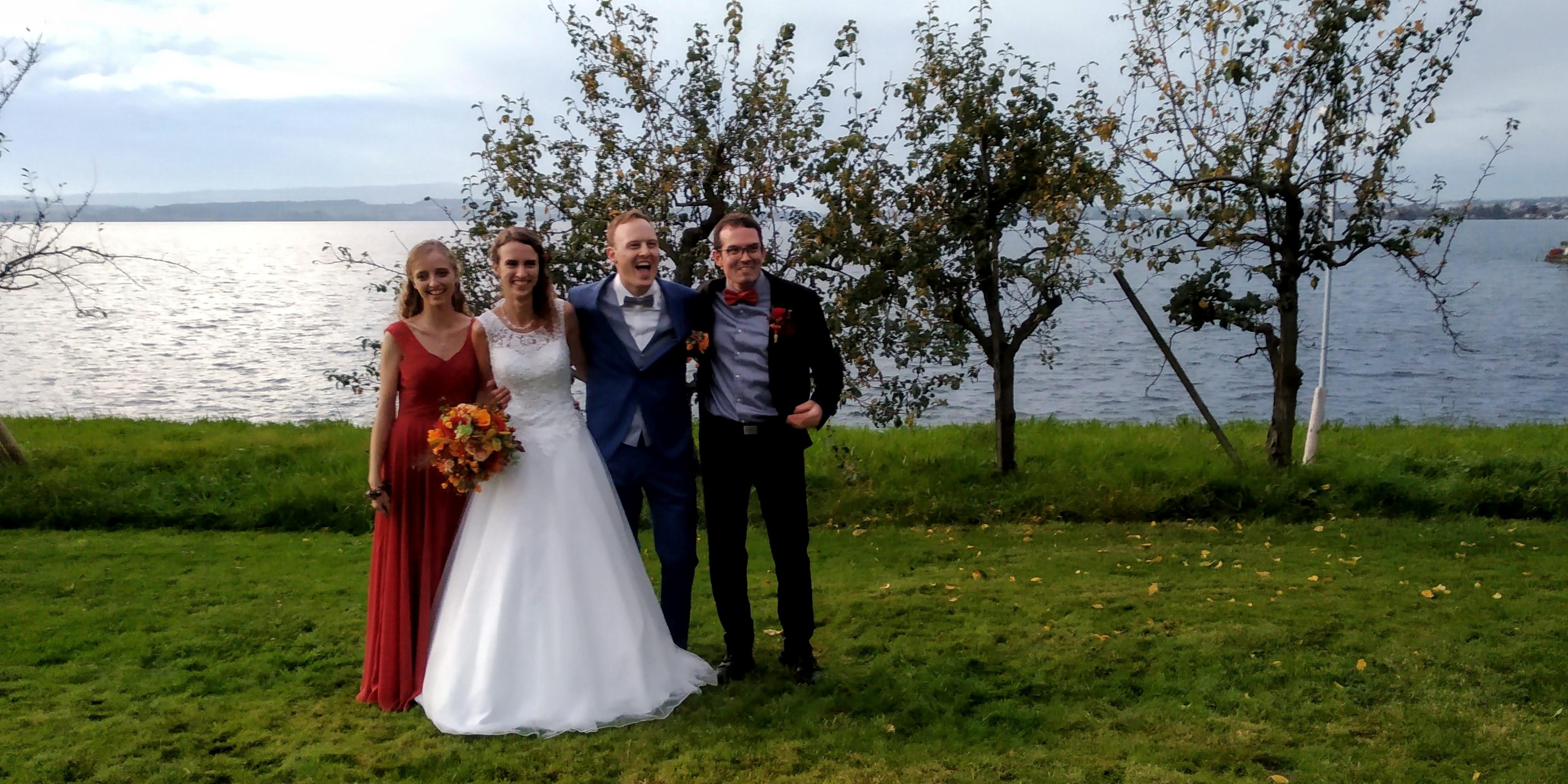 Hochzeitsfoto Brautpaar und Trauzeugen